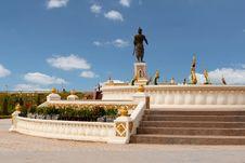 Free Statue Quai Fa Ngum In Vientiane Stock Images - 19692064