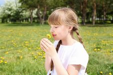 Free Little Girl In Spring Park Royalty Free Stock Photography - 19693817