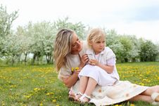 Free Girl With Mother In The Park Royalty Free Stock Photo - 19693835