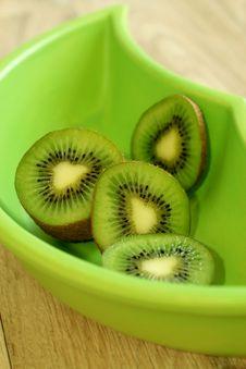 Free Kiwi In Green Bowl Royalty Free Stock Image - 19694116