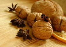Free Walnuts On Wooden Board Royalty Free Stock Image - 19694136