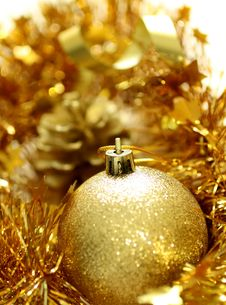 Free Christmas Yellow Ball Stock Photo - 19694410