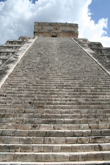 Free Ancient Stairway Royalty Free Stock Photos - 19696998