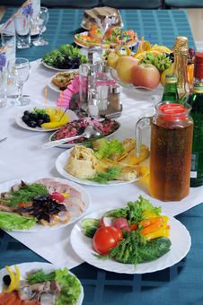 Free The Table Is Served For A Banquet. Royalty Free Stock Image - 19697576