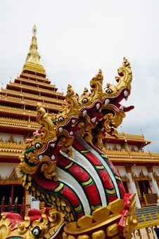 Free Naga Statue At Thai Temple Royalty Free Stock Image - 19699006