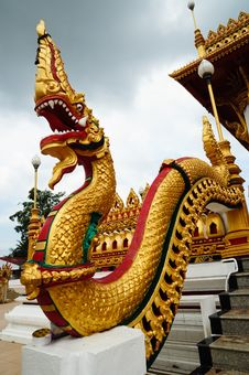 Free Naga Statue At Thai Temple Stock Photo - 19699310
