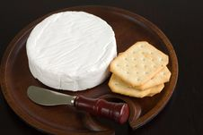 Free Brie And Crackers Royalty Free Stock Images - 1973649
