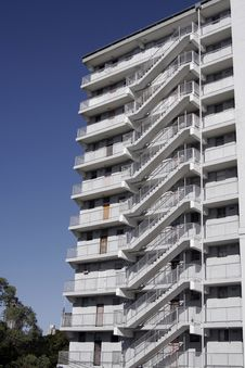 Free Urban Apartment Building Royalty Free Stock Photography - 1976237