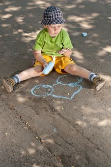 Boy Drawing Royalty Free Stock Images