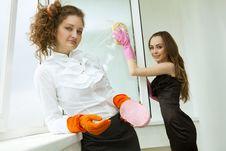 Free Glamour Girls Washing The Window Royalty Free Stock Images - 19703469