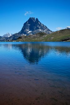 Free Reflection Of The Ossau Peak Stock Image - 19706091