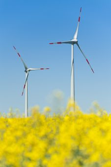Free Wind Turbines Royalty Free Stock Photography - 19707307