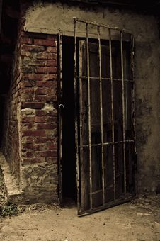 Free Open Old Door Leading Into A Dark Cellar Stock Images - 19708854