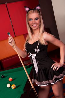 Free Happy Bunny-girl Playing In Billiard Royalty Free Stock Images - 19710859