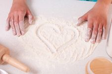 Free Heart Shape On Flour Royalty Free Stock Photo - 19710865