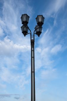 Free Streetlight Royalty Free Stock Images - 19712779