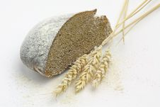Free Rye Bread And Spikes Of Rye And Flour Royalty Free Stock Image - 19714266