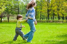 Free Brother And Sister Having Fun Royalty Free Stock Image - 19714286