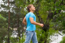 Free Young Man Running Through Park Stock Photography - 19718012