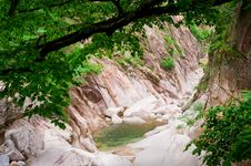 Free Forest Creek Canyon At Seoraksan National Park Royalty Free Stock Image - 19719056