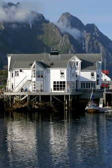 Free Seaside Hotel In Lofoten Stock Photography - 19719082
