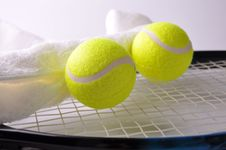 Free Two Tennis Balls And White Towel Royalty Free Stock Photography - 19721387