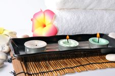 Free Three Candles In Plate Royalty Free Stock Images - 19722379