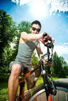 Free Young Man Cyclist Royalty Free Stock Image - 19722756