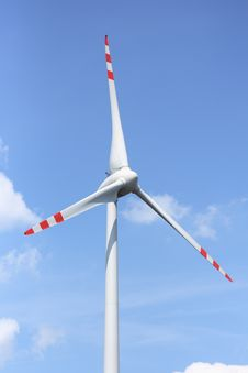 Free Wind Turbine Royalty Free Stock Images - 19724669