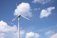 Free Wind Turbine Royalty Free Stock Photo - 19724695