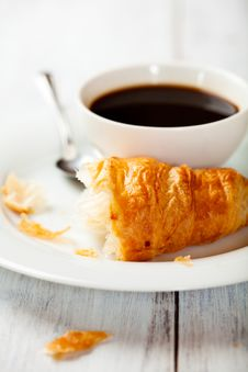 Free French Croissant And A Cup Of Coffee Royalty Free Stock Images - 19731869
