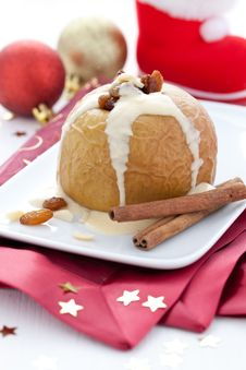 Free Baked Apple With Raisin Royalty Free Stock Photo - 19734905