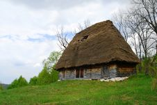 Free Traditional Hut Royalty Free Stock Photo - 19735005
