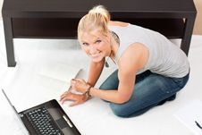 Free Young Attractive Woman Works On Her Laptop Stock Images - 19737494