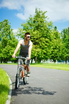Free Young Man Cyclist Stock Images - 19738124