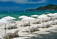 Free White Beach Umbrella Stock Image - 19741241