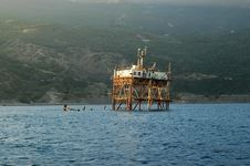 Free Marine Research Station Royalty Free Stock Images - 19748629