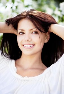 Free Brunette Woman Royalty Free Stock Photography - 19752997