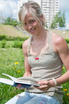 Free A Girl Student With A Book Stock Image - 19753851