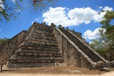 Free Chichen Itza. High Priest Temple Royalty Free Stock Images - 19755259