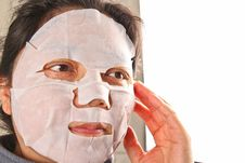 Free Woman Wearing A Facemask Royalty Free Stock Images - 19756539