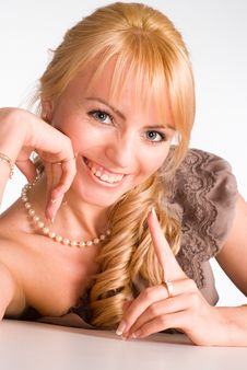 Free Nice Blonde Girl Posing Royalty Free Stock Image - 19760906