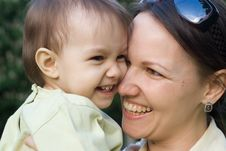 Free Happy Mom And Baby Stock Photography - 19760992