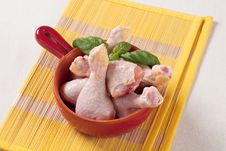 Free Raw Chicken Drumsticks Royalty Free Stock Image - 19766946
