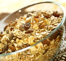 Free Muesli Of Oats With Raisin Royalty Free Stock Photography - 19768287