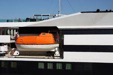 Free Lifeboat Of Cruise Ship Stock Image - 19771001