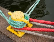 Ropes Around A Pole Royalty Free Stock Image