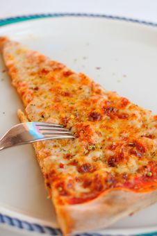 Free Generic Italian Cheese Pizza Royalty Free Stock Photos - 19773508