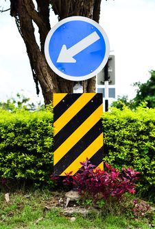 Free Road Sign White Arrow On Blue Stock Photography - 19779142