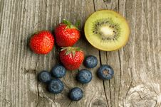 Free Strawberries, Blueberries And Kiwi Royalty Free Stock Images - 19781049